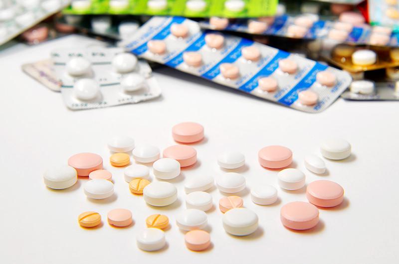 お薬を常用しているのですが、検査前に飲んでもかまいませんか?